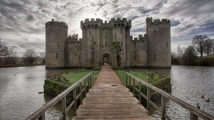 Замок Бодиам, графство Восточный Сассекс, Британия
