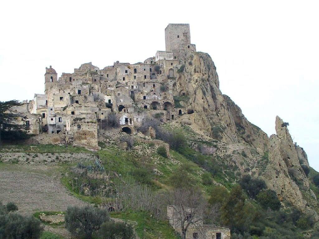 Мертвый город Крако, провинция Матера, Италия