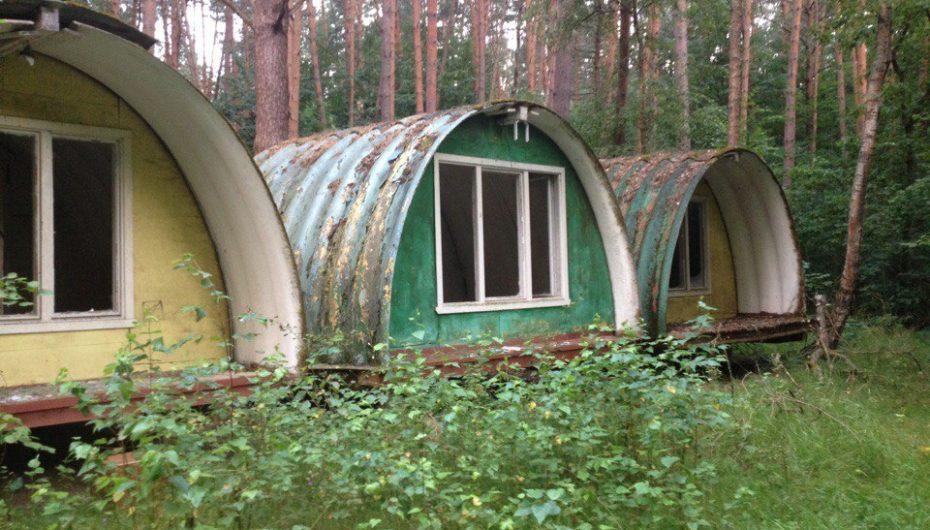 Необычный заброшенный лагерь (Россия, Калужская область)