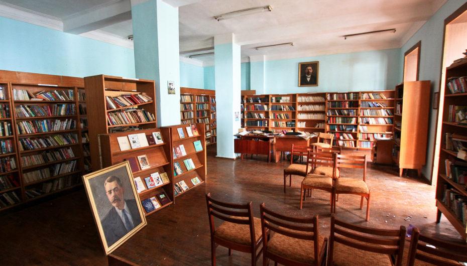 Заброшенная библиотека медучреждения