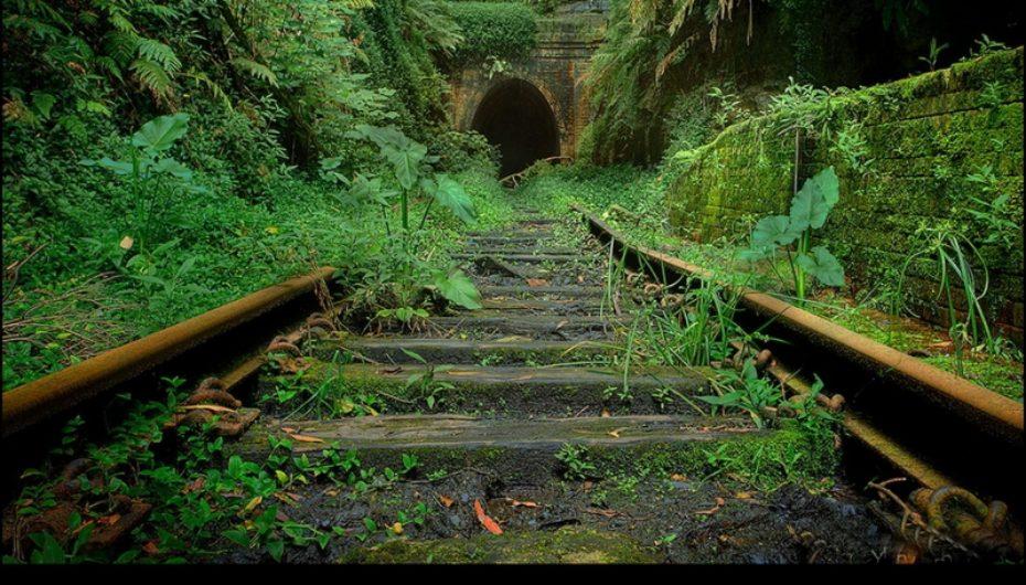 Заброшенные железные дороги мира