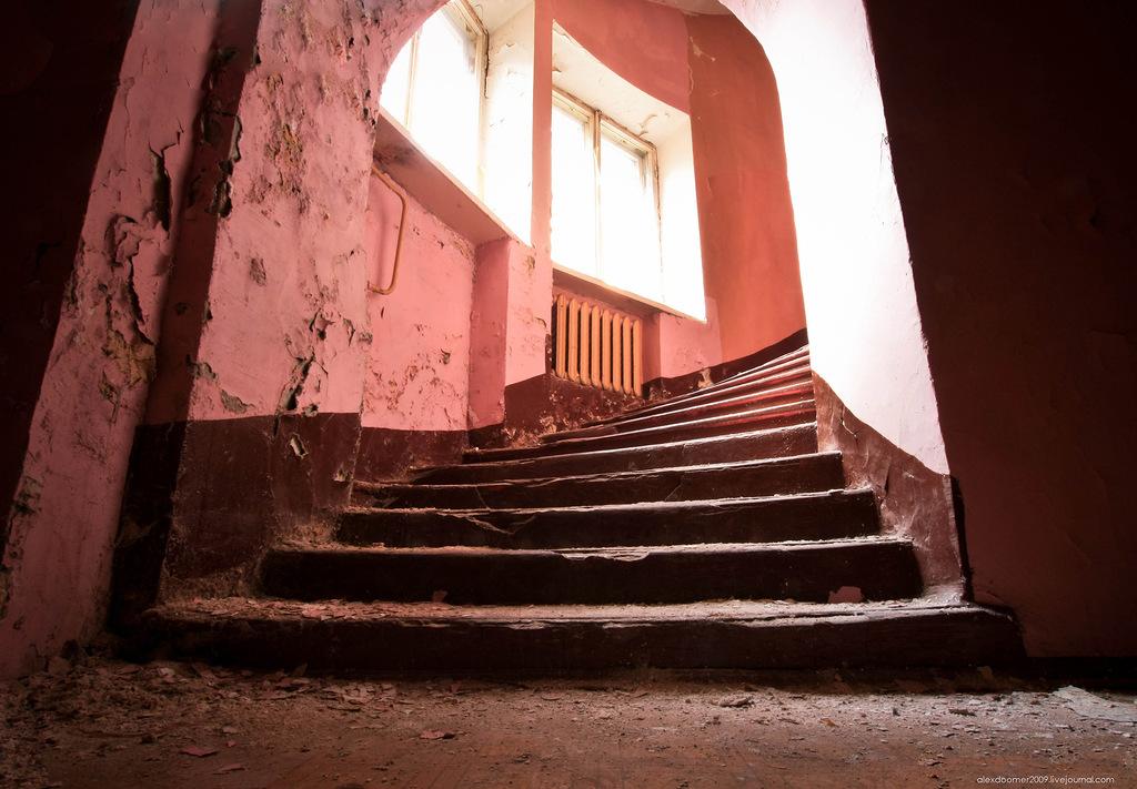 Заброшенная московская школа №X