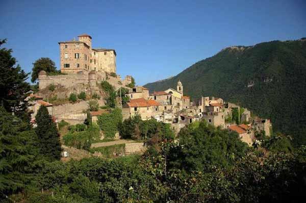 Город-призрак Балестрино (Италия)