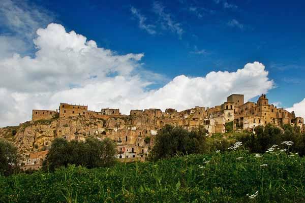 Древний город-призрак Крако (Италия)