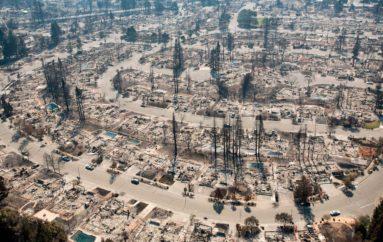 Последствия пожара в городе Санта Роза (Калифорния, США)