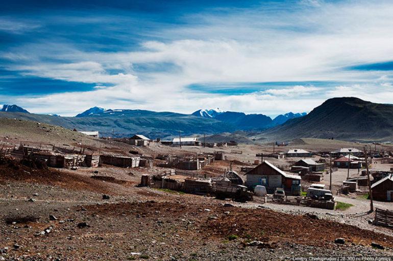 Пустеющий посёлок Белтир на Алтае