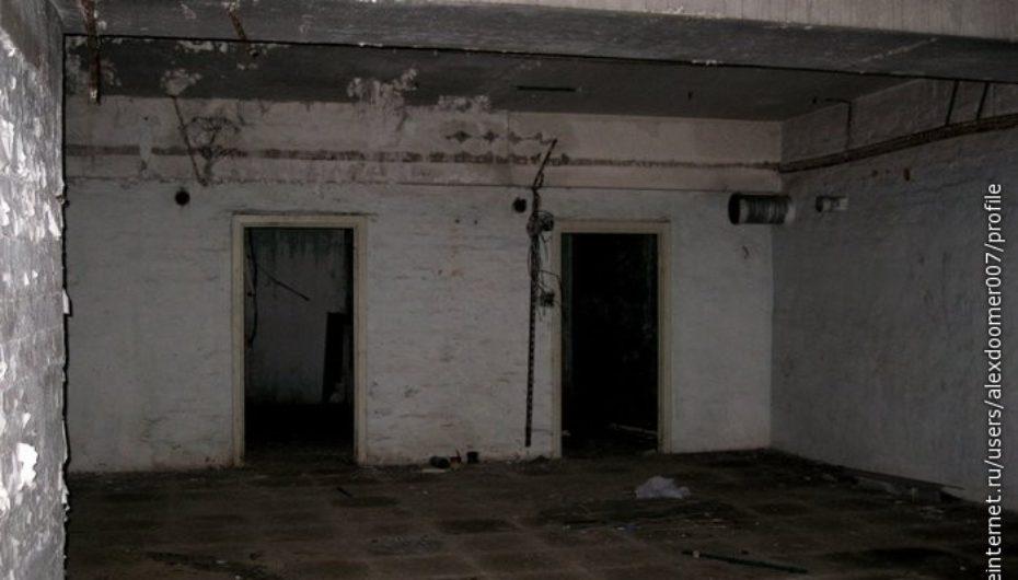 Заброшенное бомбоубежище в пионерском лагере
