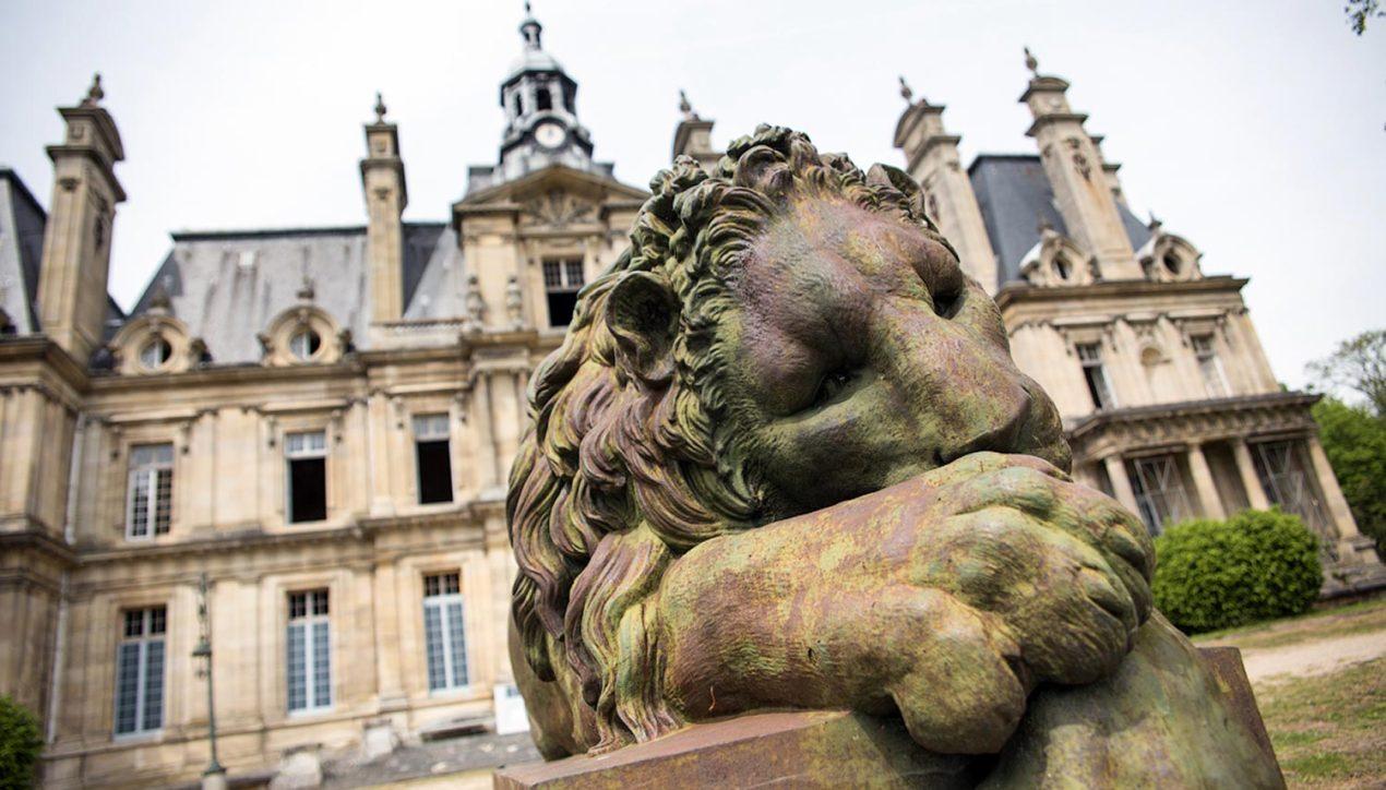 3 великолепных заброшенных замка во Франции