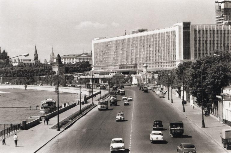 Судьба гостиницы «Россия»