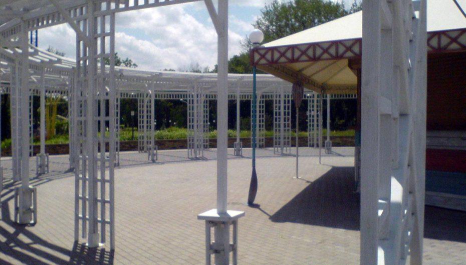 Заброшенное гастрокафе «Ложка» в центре Донецка