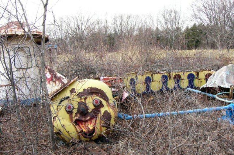 Жуткие заброшенные парки развлечений в Японии