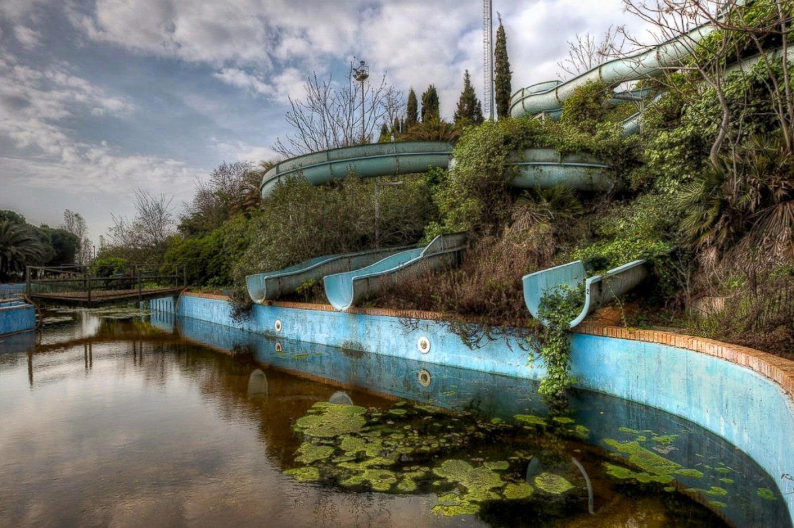 Заброшенный аквапарк быстро зарастает (Вьетнам)