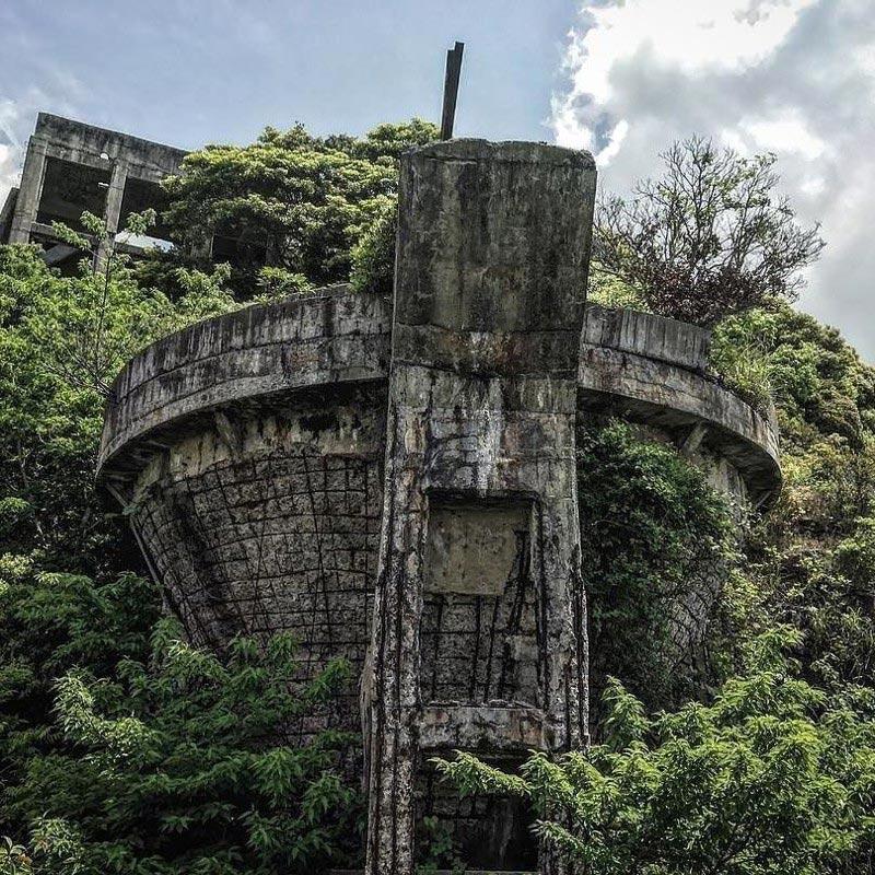 Заброшеннаяугольная шахта (Япония)