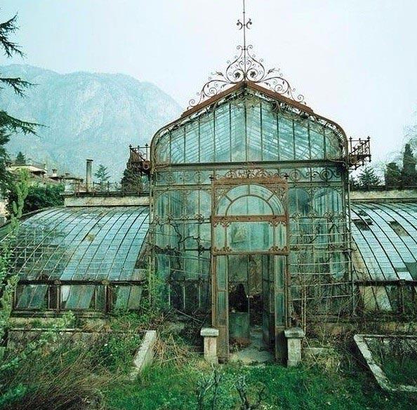Заброшенная оранжерея в викторианском стиле (Англия)