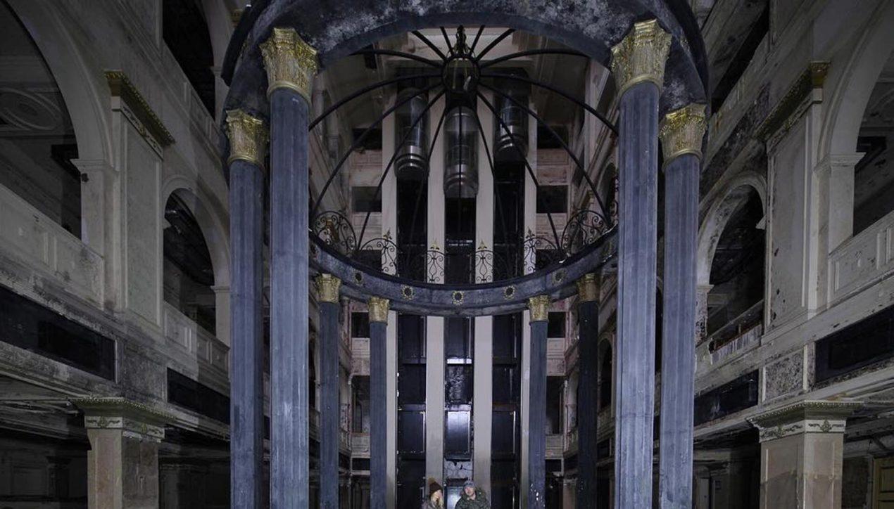 Заброшенный пятизвездочный отель «Северная корона» в центре Санкт-Петербурга