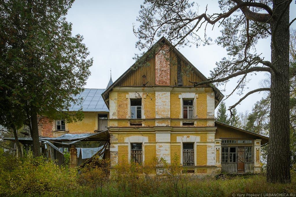 Заброшенный сказочный замок в Заключье