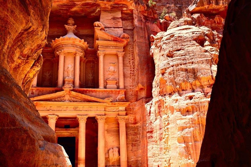 Заброшенный древний город Петра, Иордания