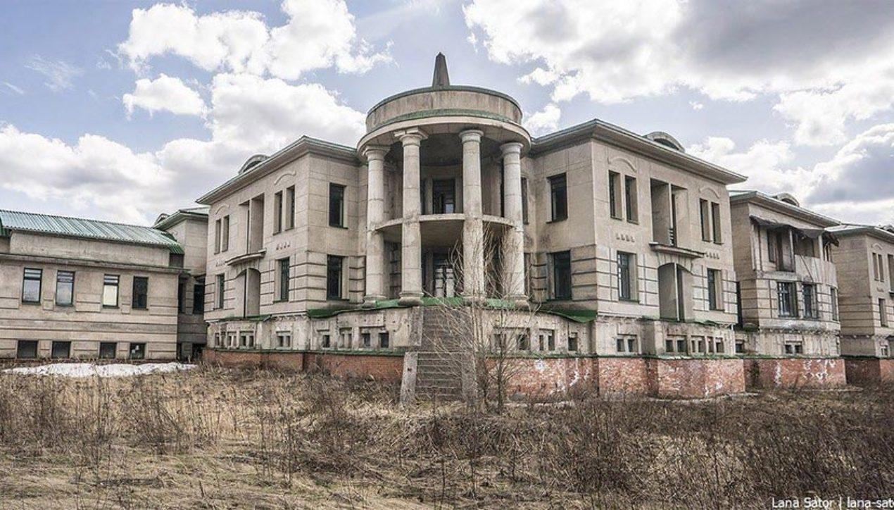 Заброшенный дворец Газпрома