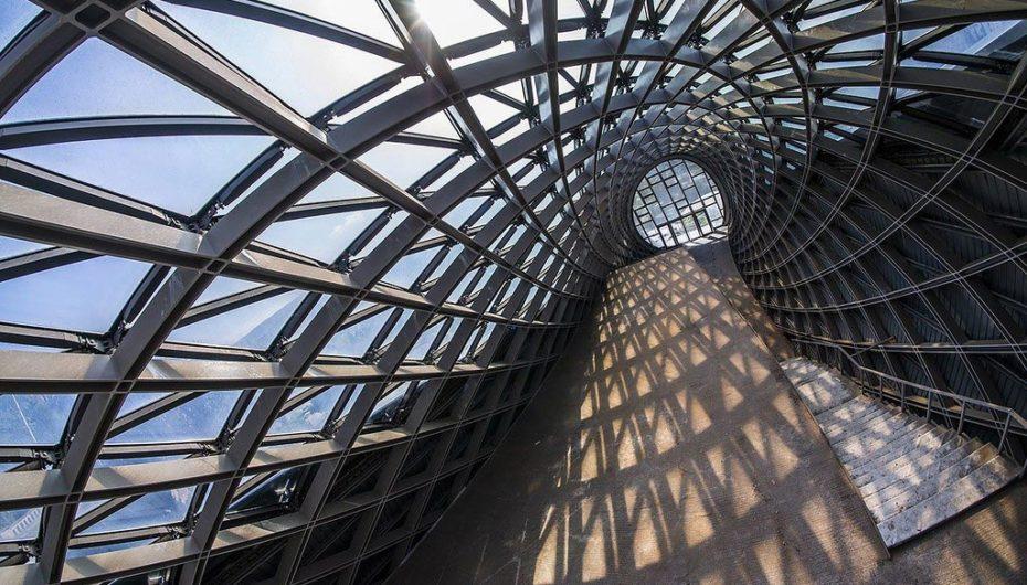 8 заброшенных объектов в смелых архитектурных решениях