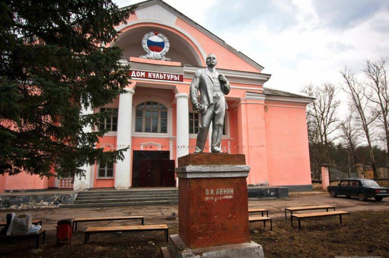 Заброшенная школа и дом культуры | Жизнь на краю Тверской области