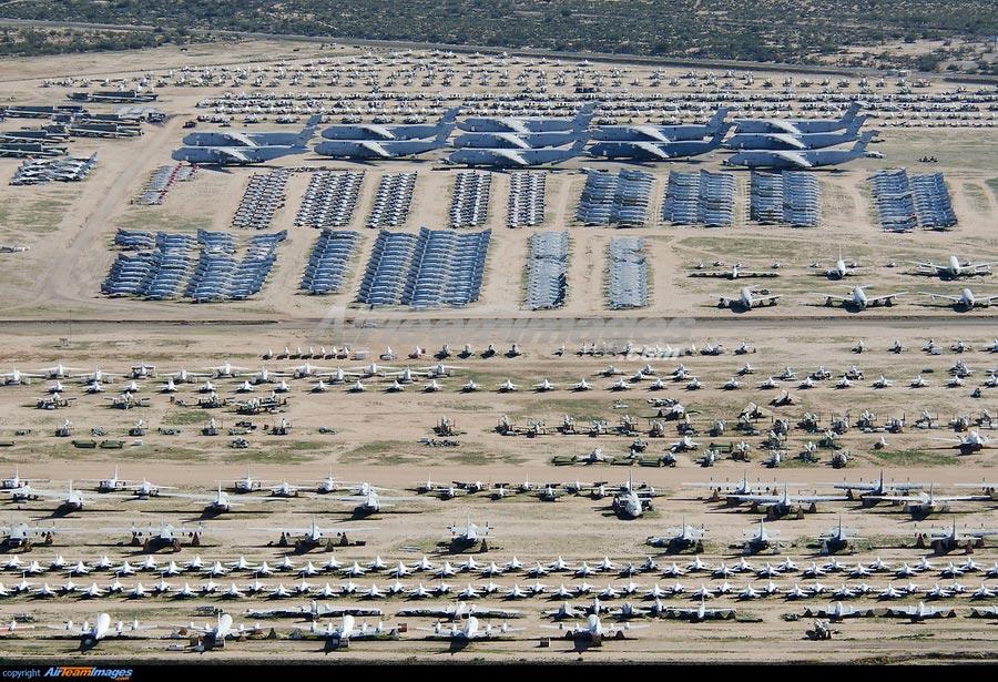 Кладбище самолетов в США