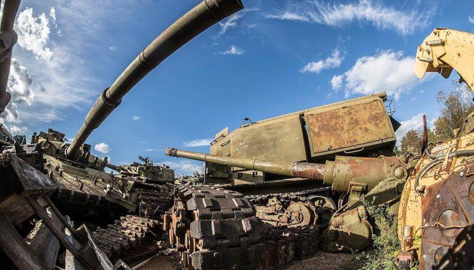 Фоторепортаж с кладбища старых танков