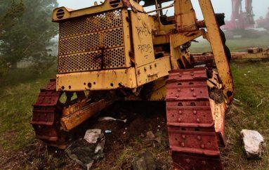 Мусор бывает разный | Брошенная строительная техника на горе Ай-Петри