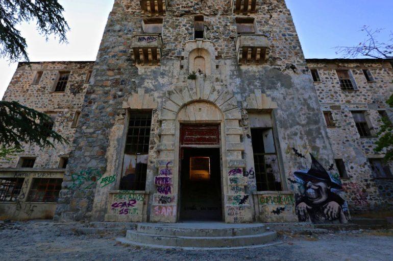 Заброшенный отель «Беренгария» на Кипре