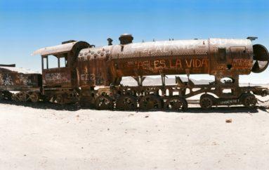 Уюни | Кладбище поездов в Боливии