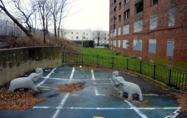 Заброшенный жилой комплекс в Бруклине
