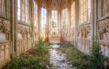 Заброшенные «Дома Бога» в объективе Романа Робрука