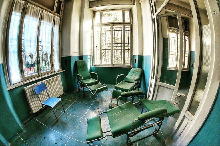Заброшенная психиатрическая клиника в Италии | Лечить нельзя помиловать
