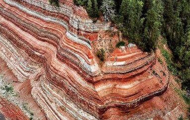 Опо́ки — великолепное геологическое обнажение слоёв пермского периода на северо-востоке Вологодской области