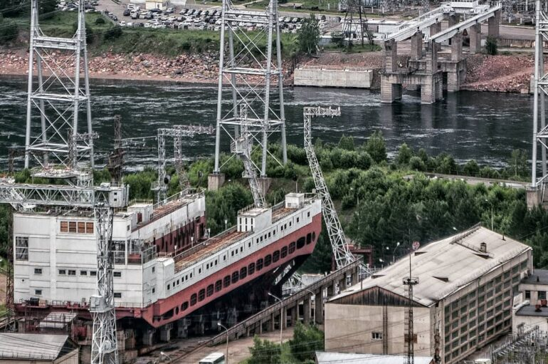 Красноярская ГЭС в Дивногорске